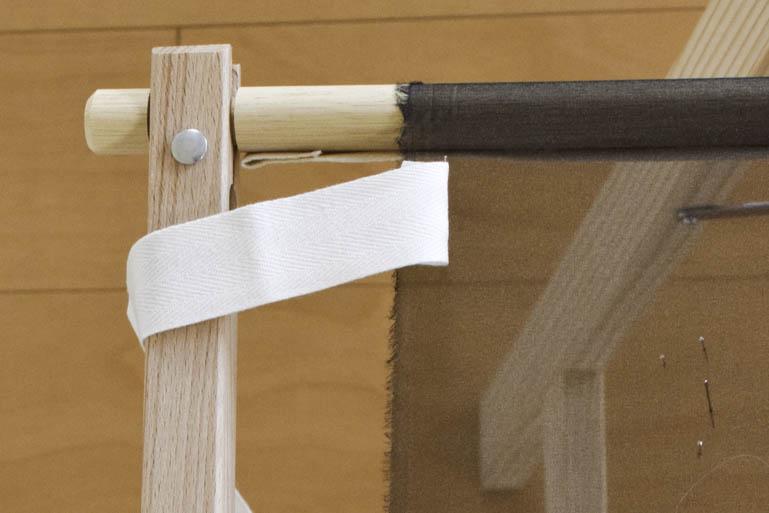 刺繍枠の張り方、布テープ2