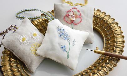 フランスの香り ラベンダー袋の刺繍キット