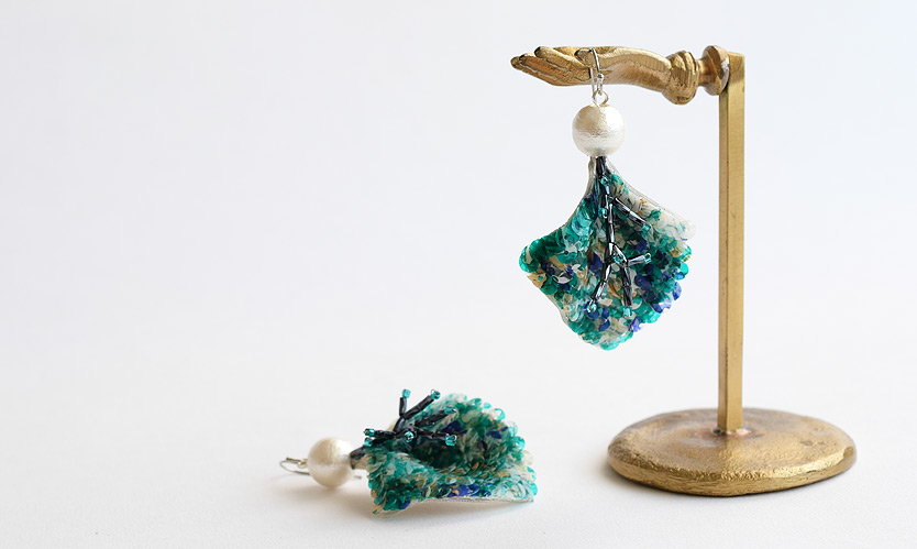 オートクチュール刺繍の耳飾り