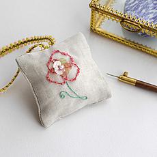 キット リュネビル刺繍 ポピーの香り袋