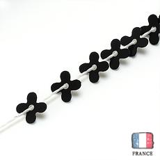 【糸通しスパンコール】4mm花 ブラック