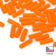 【 チェコビーズ 】極細竹 1.3x4mm キャロットオレンジ