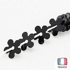 【糸通しスパンコール】5mm花 ブラック【約150枚入り】